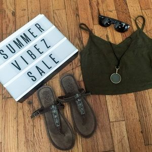 NWOT Soft Leather T-Strap Sandals