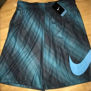 Nike Other - Men's large BB shorts new with tags retails $40