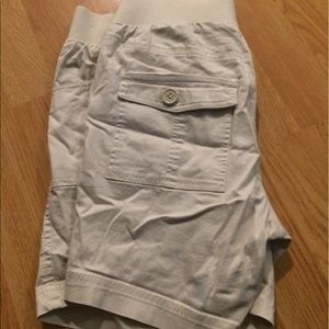 In Due Time Pants - 👶🏻 In Due Time Maternity Khaki Shorts - Small