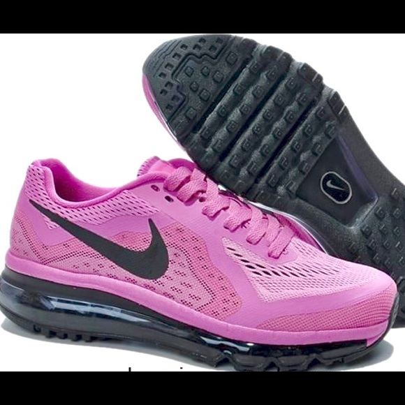 265230d6b7104 Women s NIKE AIRMAX Neutral Ride running shoe US 7.  M 58fe571613302acb8c01584f