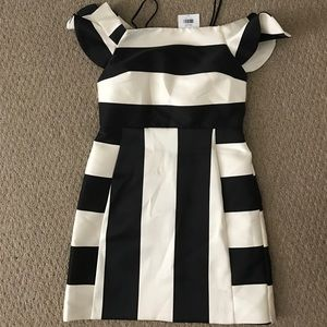 Topshop Dresses & Skirts - NWT topshop black and white off the shoulder dress