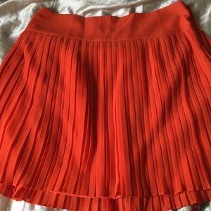 LOFT Dresses & Skirts - Skirt with small pleates