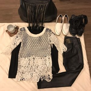LF stores Tops - Cute laced flowery LF Stores White Lace Top