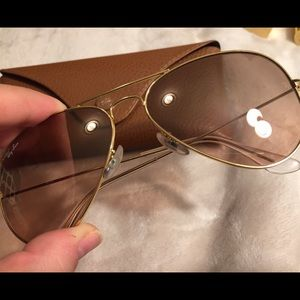 Rose gold Ray-Ban sunnies
