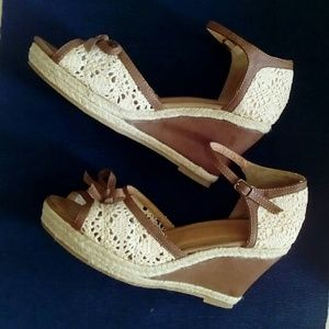 Shoes - Sanndals, never used!!!