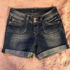 Wallflower Pants - Denim shorts