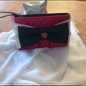 Betsey Johnson Handbags - Betsey Johnson Large Bow Wristlet NWT