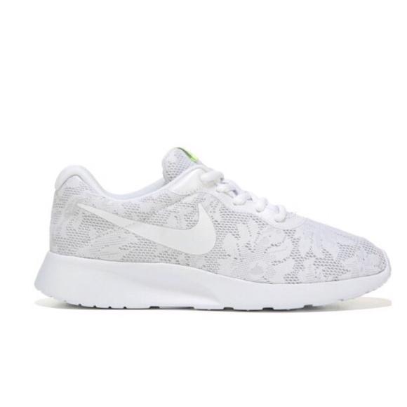Sneakeramp; Loft Tanjun Nike Women's White OPkXZiu