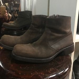 Kenneth Cole Other - Kenneth Cole NY made in Italy, suede ankle boots