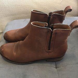 OluKai Shoes - Olukai Leather Mallie Ankle Boots Size 7 // Brown