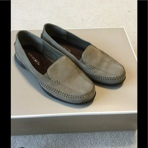 AEROSOLES Shoes - Like new loafers / driving moccasins