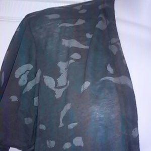 Monrow Tops - NWOT Monrow Camouflage Oversize Tee