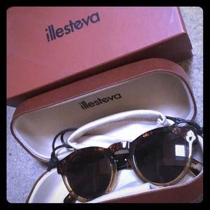 Illesteva Accessories - Illesteva Leonard half/half brown sunglasses NEW