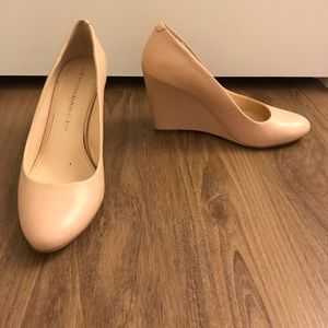 Banana Republic Shoes - Banana Republic Blush Nude Wedge Heels