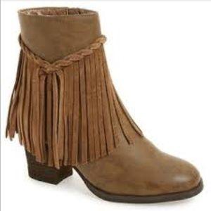 Sbicca Shoes - 💥NIB💥 Sbicca Geneen Fringe Bootie