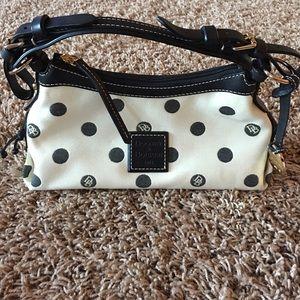 Dooney & Bourke Handbags - DOONEY & BOURKE PURSE 💕SALE💕