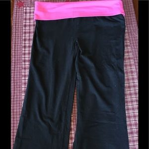 Black and pink yoga capris