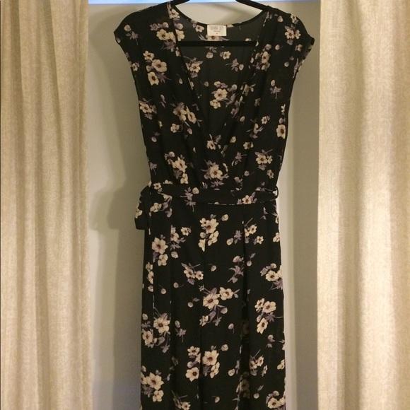 43d1d262ffdc Sienna Sky M Wide Leg Black Floral Jumpsuit. M 58fe88f2291a3586ae001e8b