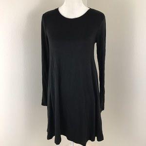 Lou & Grey Dresses & Skirts - Sale! Lou & Gray Black Longsleeve Shift Dress