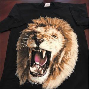 Lions Head Tee