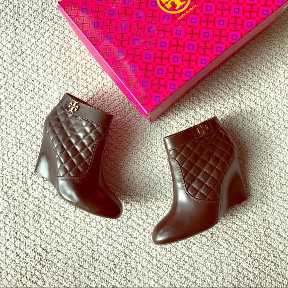 afe71f6e12cf Tory Burch- Leila Quilt Wedge Bootie Coconut