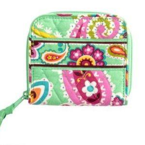 ⚡️New Listing! Vera Bradley Zip Around Wallet