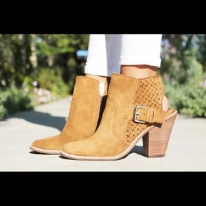 ***PRICE REDUCED*** Dolce Vita Booties