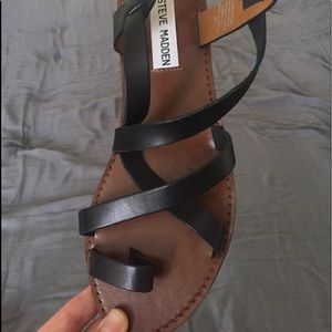 Steve Madden Agathist Leather Sandal