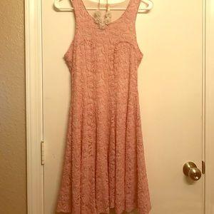Gorgeous dusty rose dress 🎀