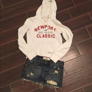 Hollister Dresses & Skirts - Bundle Hollister 🦋 hoodie & mini denim.