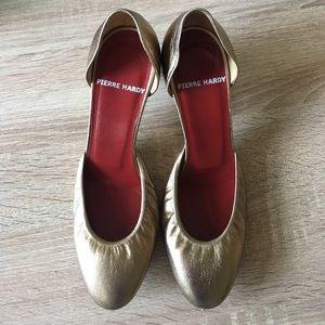 Pierre Hardy Shoes - Pierre Hardy Gold Kitten Heel Pumps
