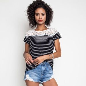 Umgee Tops - LAST ONE❗️Stripes and lace top