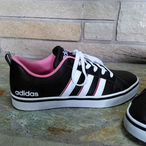 finest selection d1739 24694 Adidas NEO vs Pace black leather   Pink sneakers