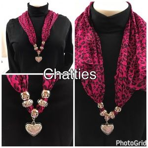 chatties Accessories - Chatties Fashion Oblong Scarf With Pendant & Beads