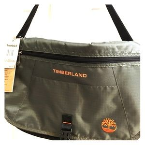 Timberland Other - NWT Timberland Twin Mountain messenger bag