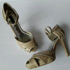 White House Black Market Brigitta Heels size 8