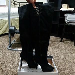 Wild DiVa Lounge over the knee high heeled boots