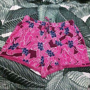Hollister Pants - NWT Hollister Floral Shorts