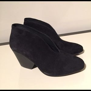 Eileen Fisher Shoes - Eileen Fisher 6.5 black suede Ankle bootie