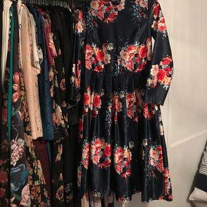Chicwish Dresses & Skirts - Floral Midi dress