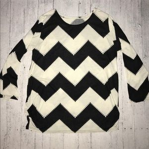 black + white oversized chevron sweater 