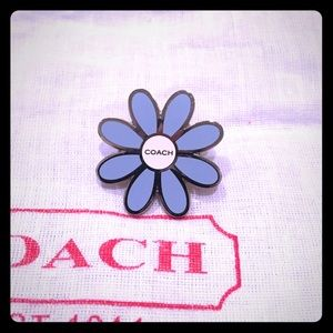 Coach Jewelry - ⚡SUNDAY ️SALE⚡️Coach Daisy  pin