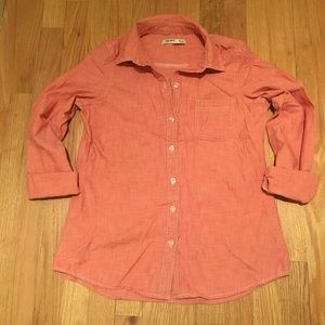 SALE✨Old Navy salmon chambray shirt