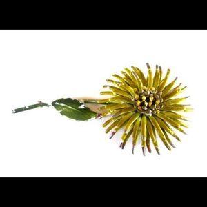 Vintage Jewelry - Vintage Flower Brooch