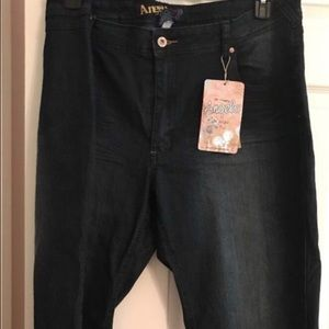 Angels Plus Size Dark Denim Cuffed Capri
