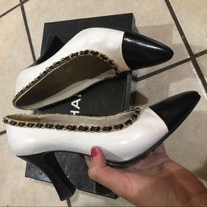 CHANEL Shoes - CHANEL 8 CHAIN TWO TONE 80's LEATHER HEELS SHOES