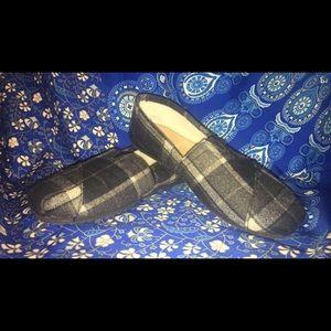 TOMS Shoes - Plaid/fur lined toms