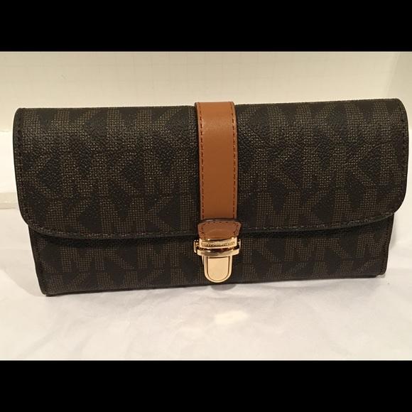 a9553733bb46 Michael Kors Bags | New Charlton Flap Continental Wallet | Poshmark