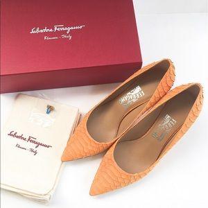 🎉Sale🎉NIB authentic Ferragamo shoes size 9