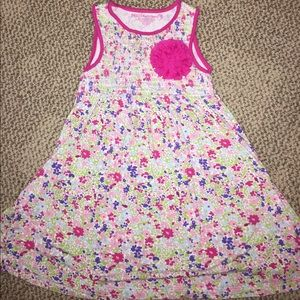 Design History Other - Bundle and save 💰Flower power dress